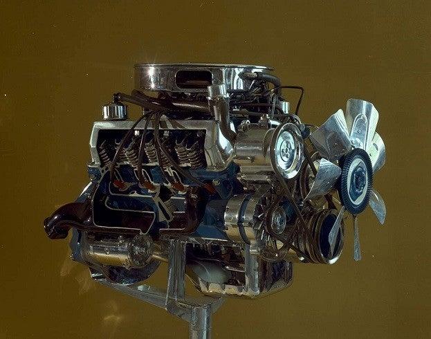302_boss_engine_cutaway_cn_5511-44