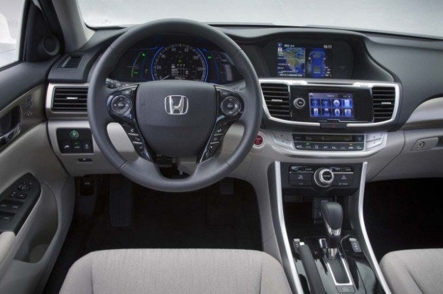 2014 Honda Accord hybrid cabin