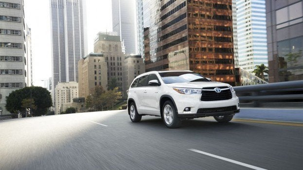 2014 Toyota Highlander driving