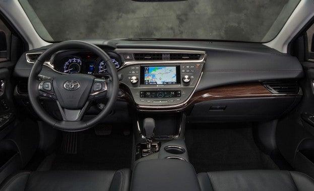 2014 Toyota Avalon cabin