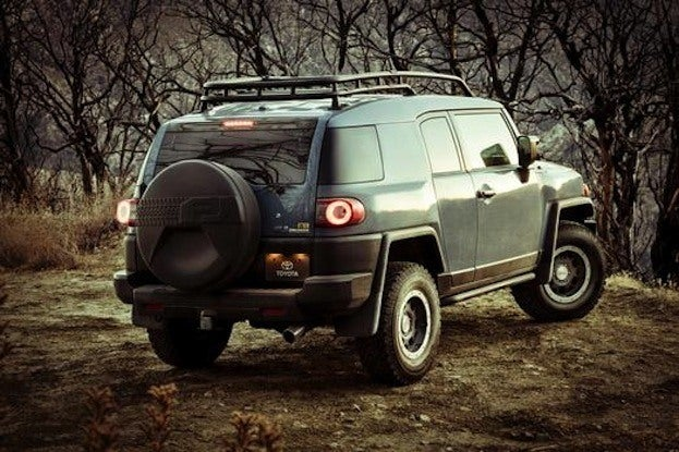 Toyota FJ Cruiser Rear