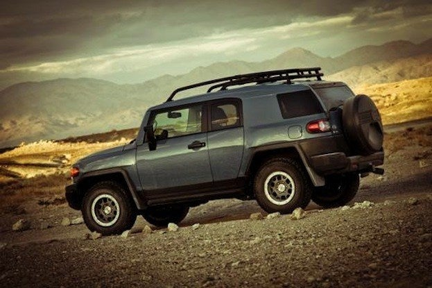 Toyota FJ Cruiser Side