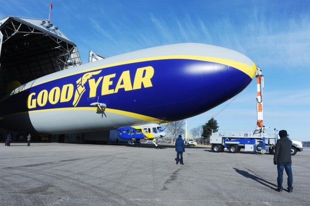 goodyear blimp A13_1490