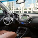 2014 Hyundai Tucson interior 1
