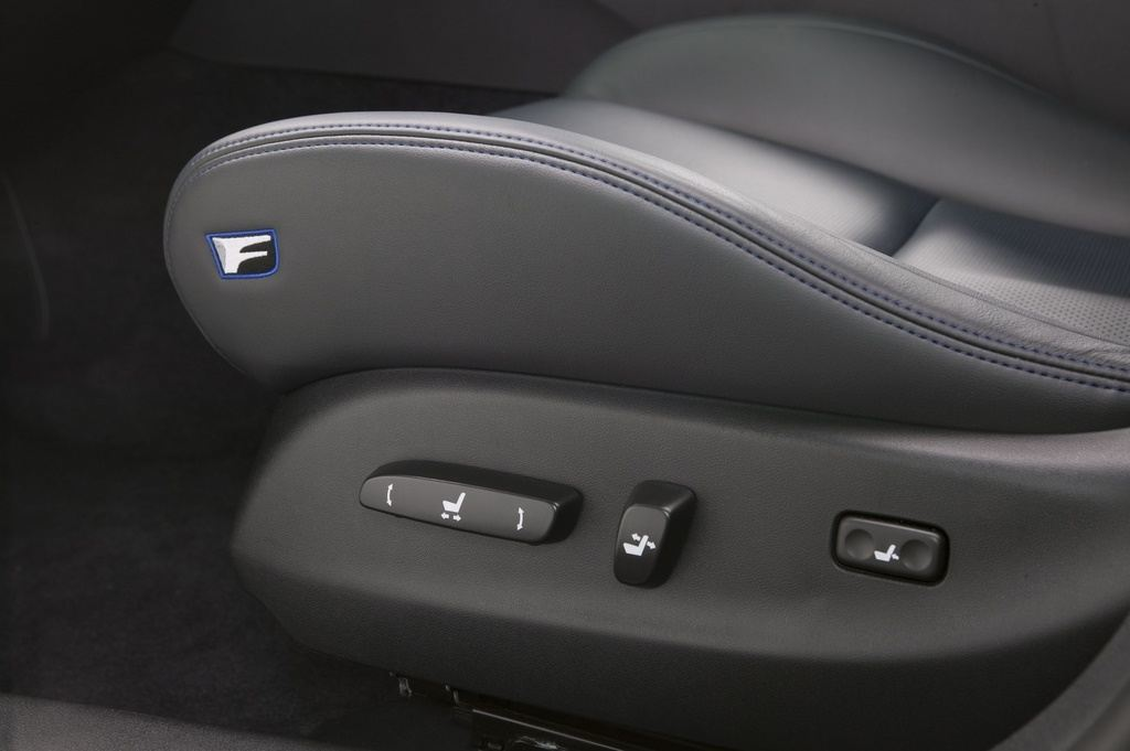 Lexus IS F seat adjust