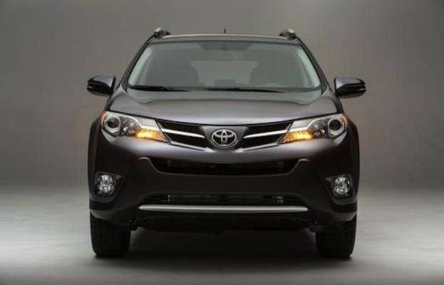 2014 Toyota RAV4 front
