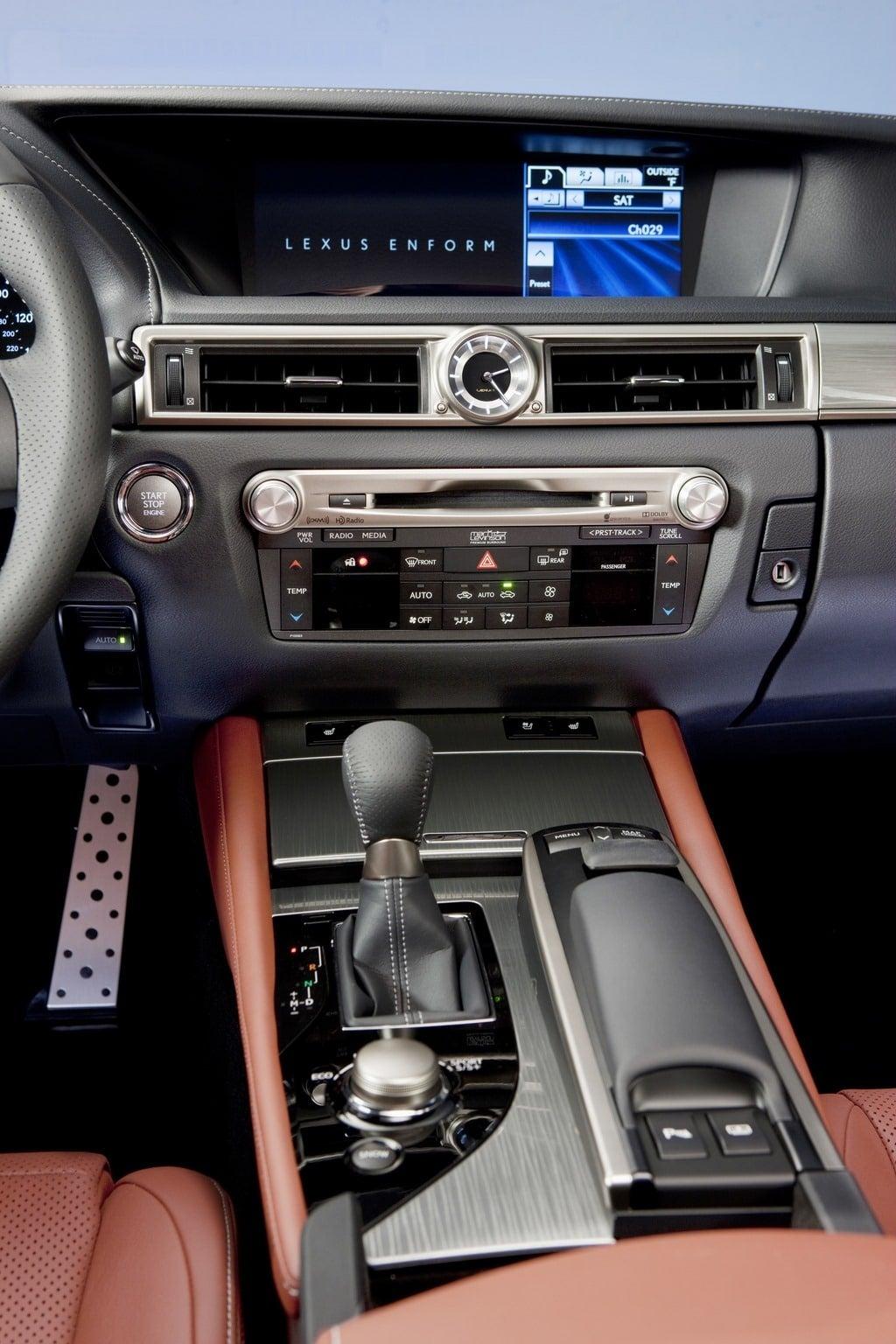 2014 Lexus GS350 F Sport center console