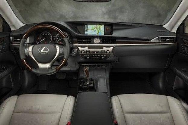 2015 Lexus ES 350 cabin