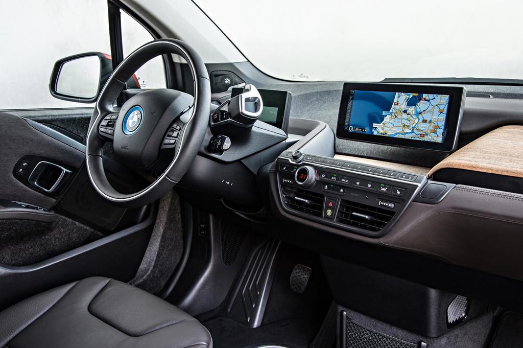 Bmw i3 interior passenger inside photo on automoblognet for Bmw i3 interior photos