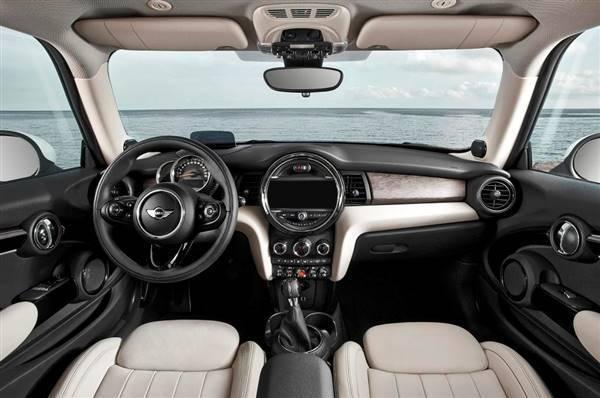 2014 MINI Cooper S cabin