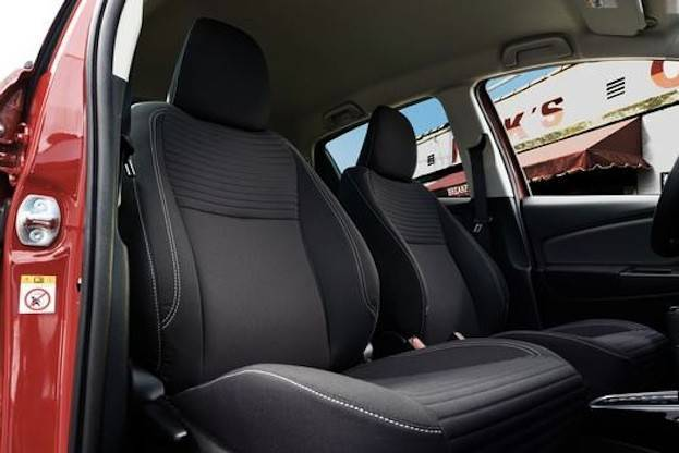 2015 Toyota Yaris seats