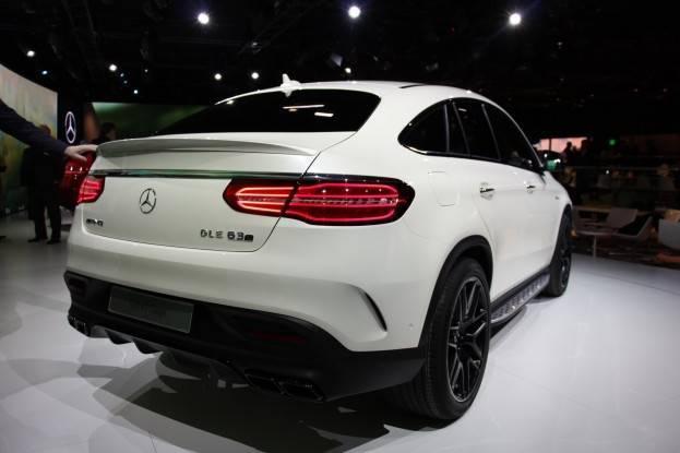 Mercedes GLE phía sau