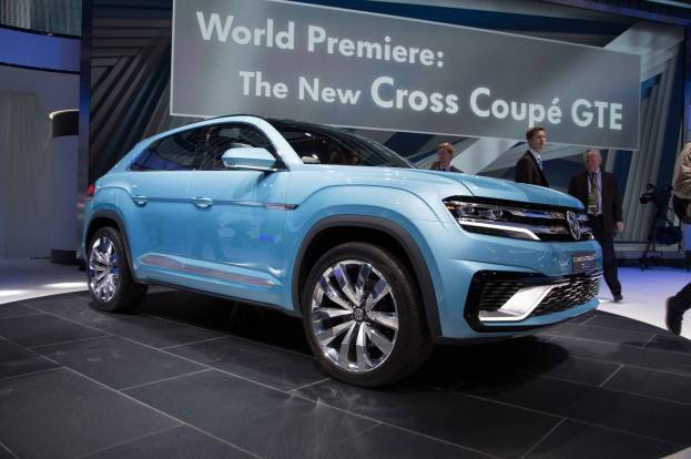 Volkswagen Cross Coupe GTE Concept Right Front