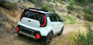 Kia Trailster 2 370x180 - Kia Trail'ster Concept Makes Waves at Chicago Auto Show