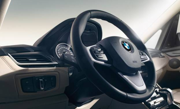 2016-BMW-220d-Gran-Tourer-xDrive-Euro-spec-142-876x535