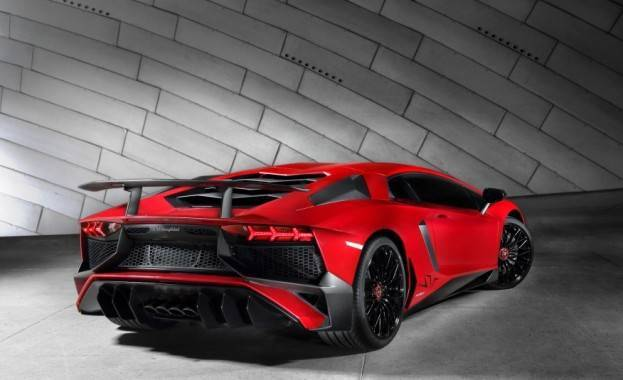Lamborghini Aventador SV Right Rear