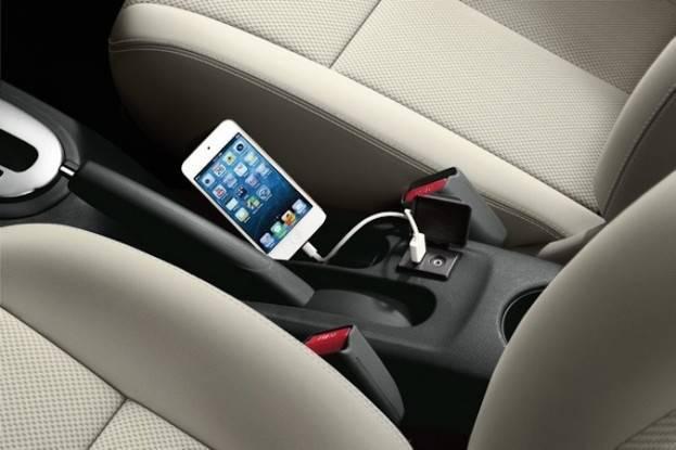 2015 Nissan Versa tech