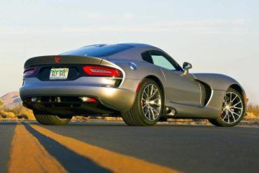 2015 Dodge Viper Still Shot 2