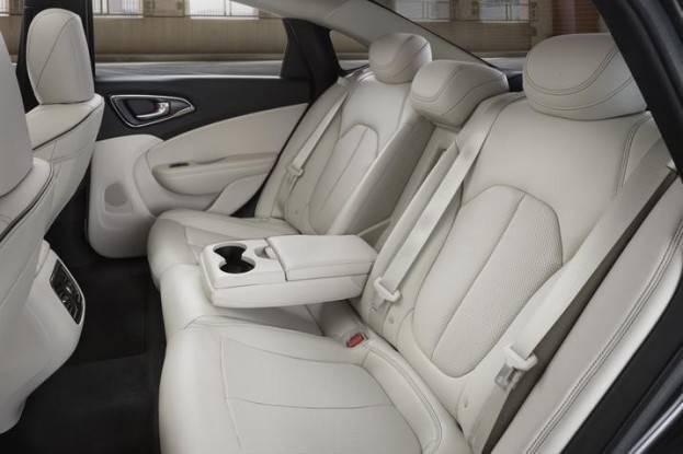 Chrysler 200 #11