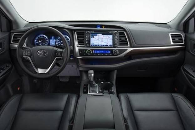 2015 Toyota Highlander cabin