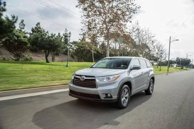 2015 Toyota Highlander drive