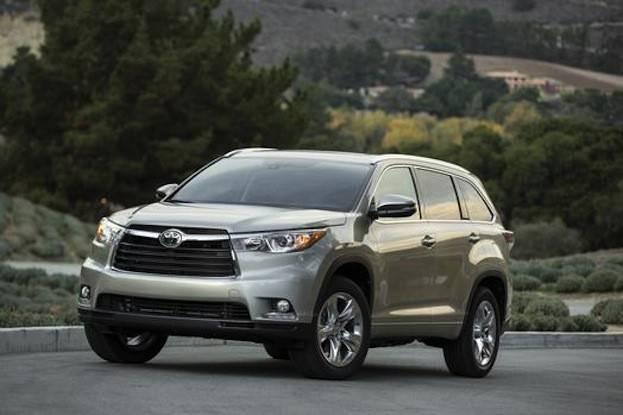 2015 Toyota Highlander front