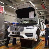 155828 Pre production of the all new Volvo XC90 in Torslanda 200x200 - Volvo Showcases All-New XC90