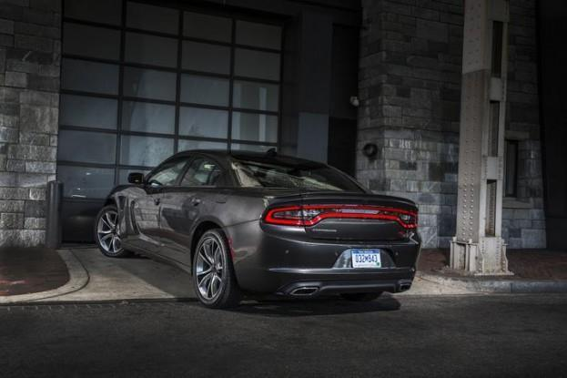 2015 Dodge Charger SXT rear