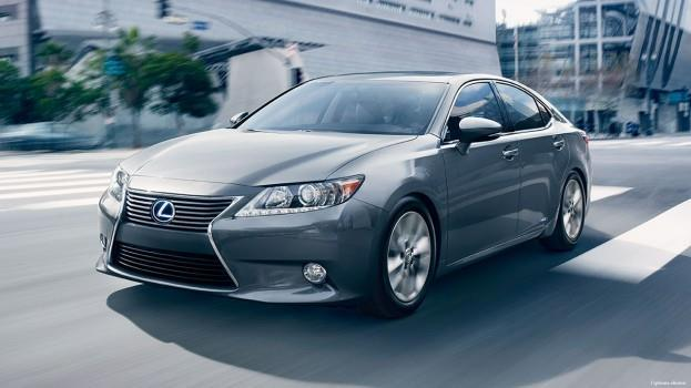 2015-Lexus-ES-hybrid-exterior-driving-action-nebula-gray-pearl-overlay
