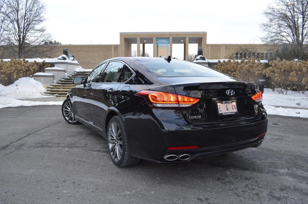 2015 Hyundai Genesis rear
