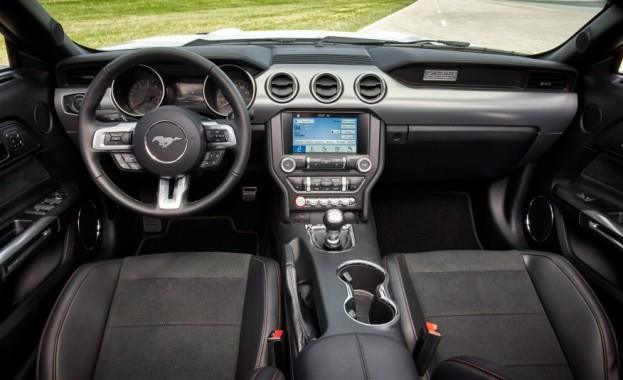 2016 Ford Mustang GT California Special Dashboard