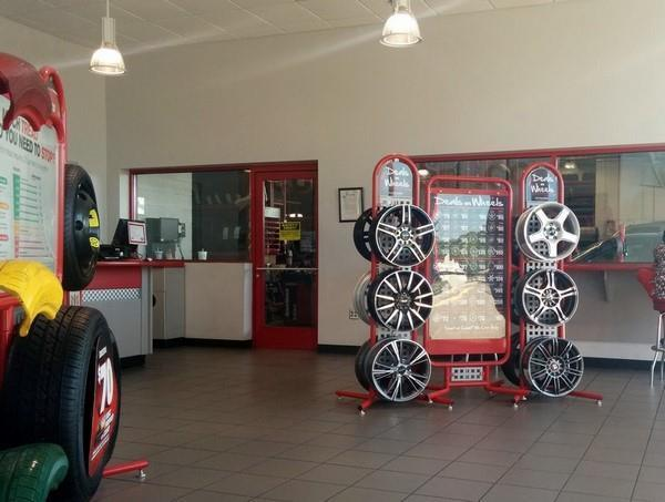 In store - Discount Tire