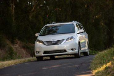 2015 Toyota Sienna Limited drive