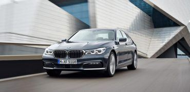 2016 BMW 7-Series Left Front Three Quarters