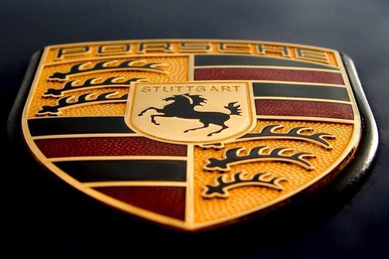 Porsche hood logo