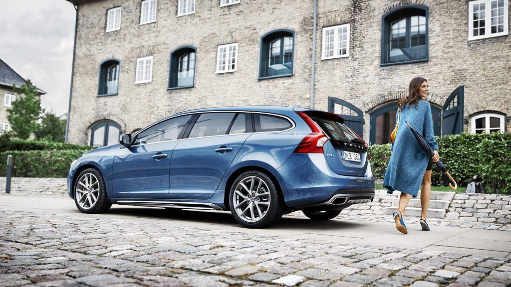 Volvo V60 Drivers Side