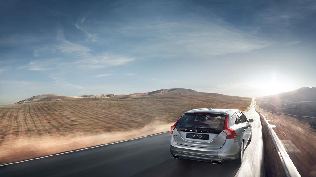 Volvo V60 Highway Driving