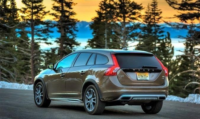 2015 volvo v60 t5 awd cross country review. Black Bedroom Furniture Sets. Home Design Ideas