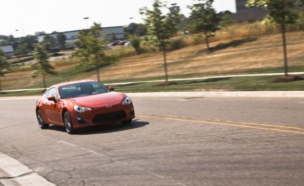 2015 Scion FR-S Right Front Three Quarters