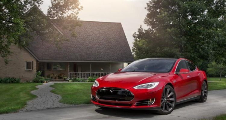 2015 Tesla Model S P85D 108 876x535 750x400 - First Look: 2016 Tesla Model S P90D