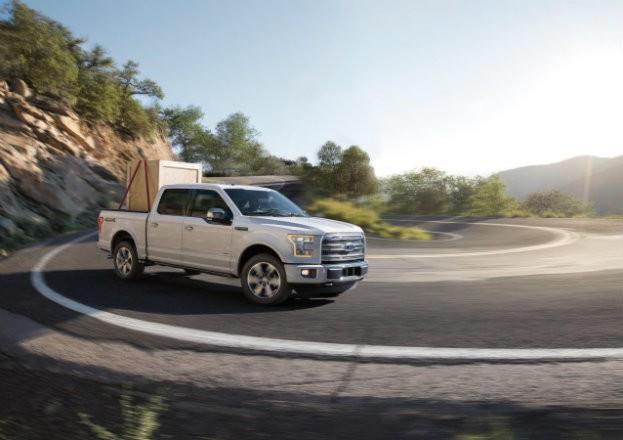 2015 Ford F-150 Tight Curve