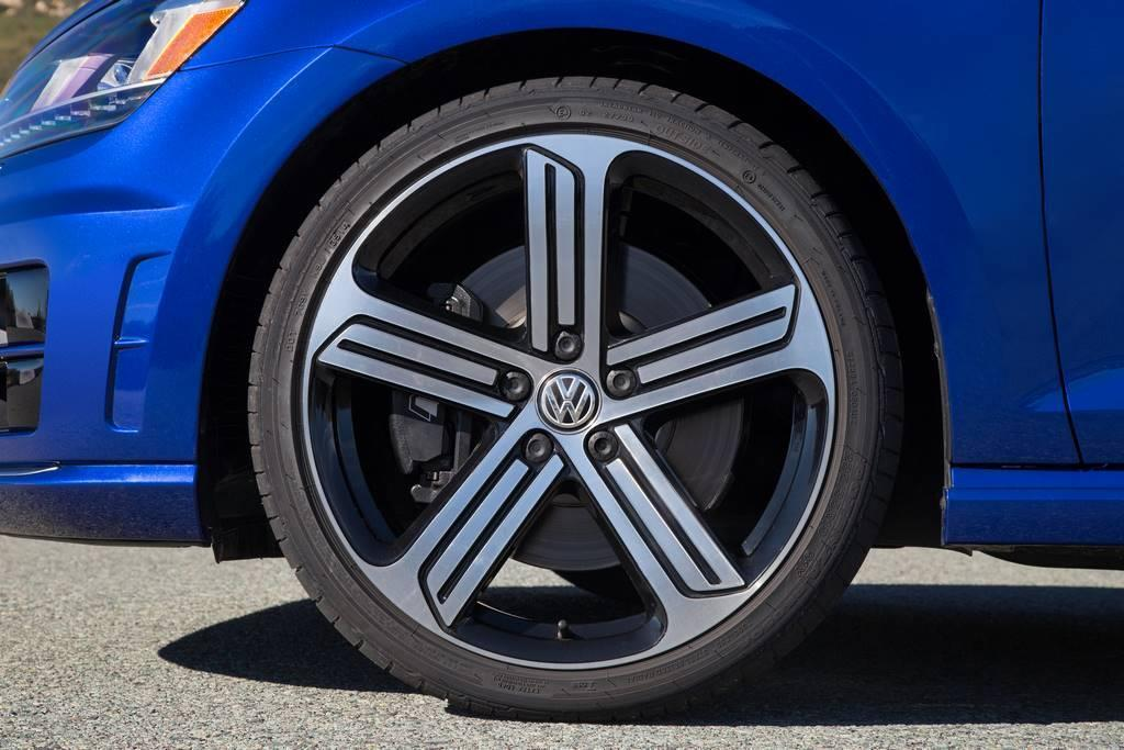 2015 VW Golf R front fender