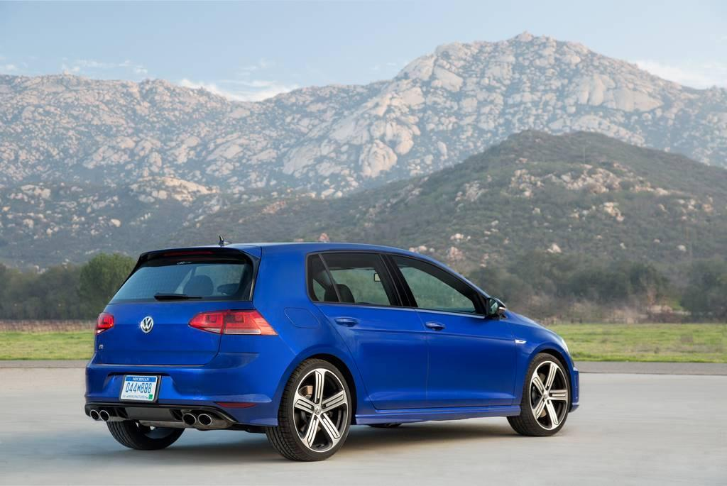 2015 VW Golf R rear