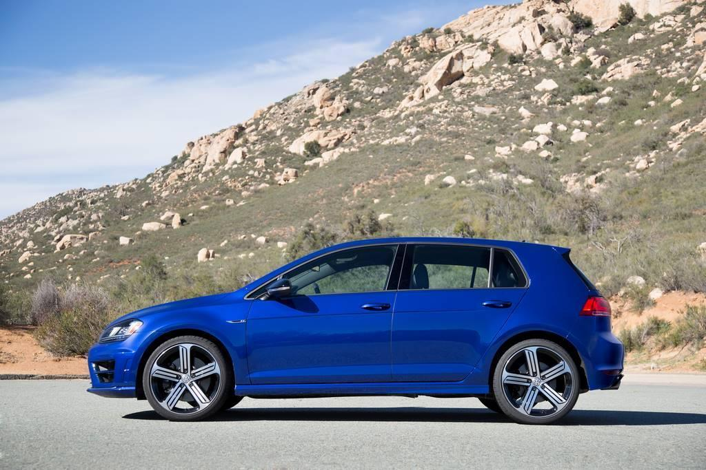 2015 VW Golf R side