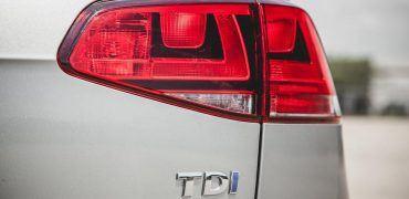 2015 volkswagen golf tdi photo 615213 s 986x603 370x180 - Volkswagen Confronted On Diesel Engines