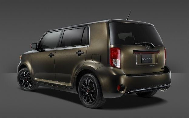 2015_Scion_xB_686_003