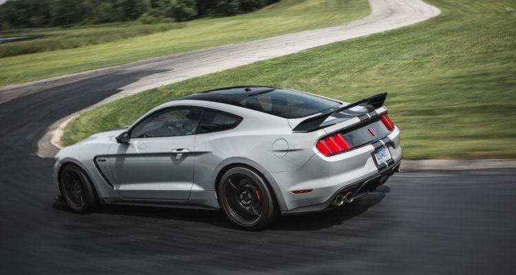 2016 Ford Mustang Shelby GT350R 1302 876x535 750x400 - First Look: 2016 Ford Shelby GT350 and GT350R Mustang