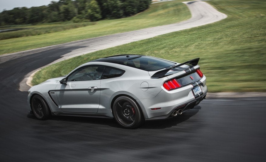 first look: 2016 ford shelby gt350 and gt350r mustang