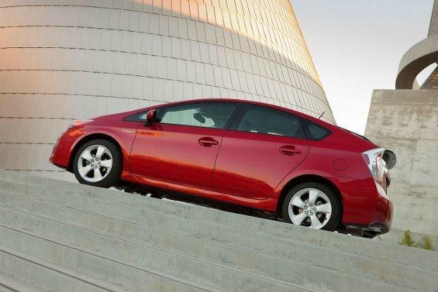 2012_Toyota_Prius_028