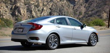 2016 Honda Civic 105 876x535 370x180 - First Look: 2016 Honda Civic